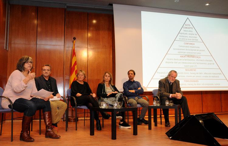 Àngels Escorsell, Miquel Sanz, Mónica Povedano, Montserrat Bernabeu,  Marc Coronas i Àlvar Agustí.