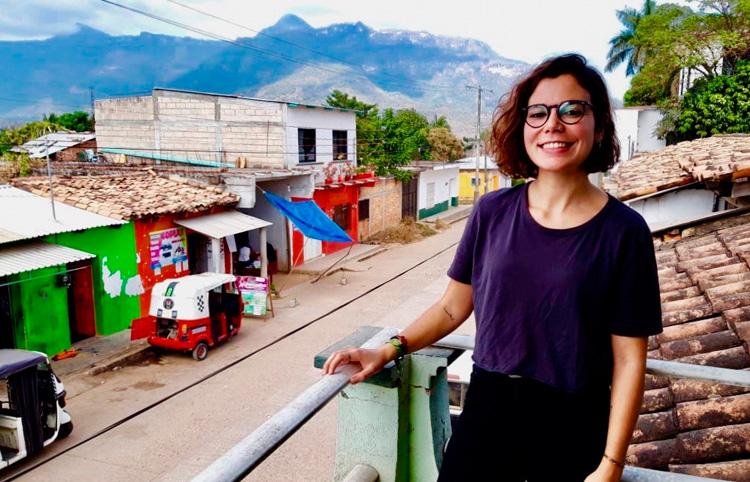 """María Estébanez     """"La cooperació és poder contactar amb la part més humana de la medicina"""""""